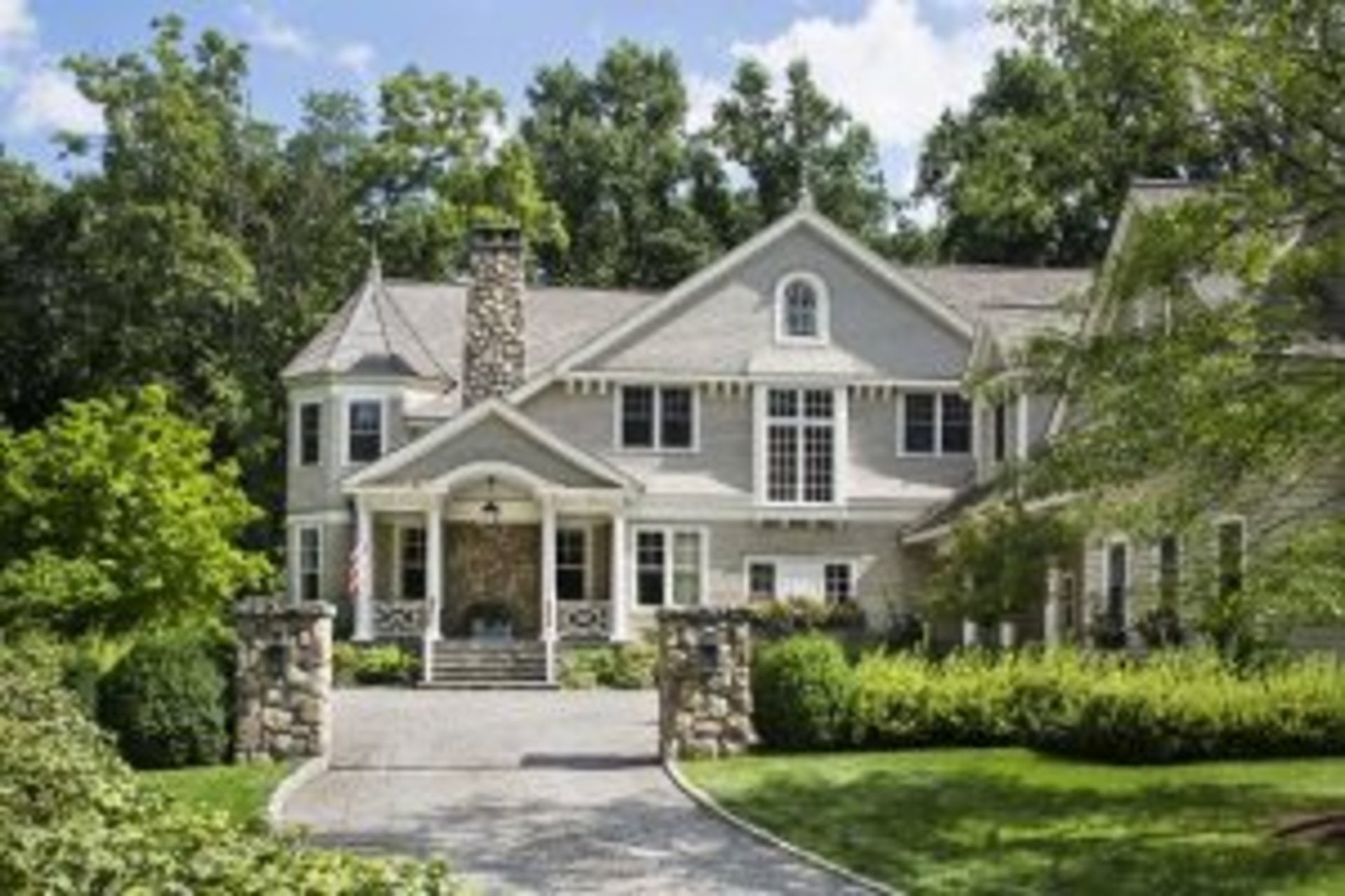 Exterior-shingle-style-custom-home-new-canaan-ct2