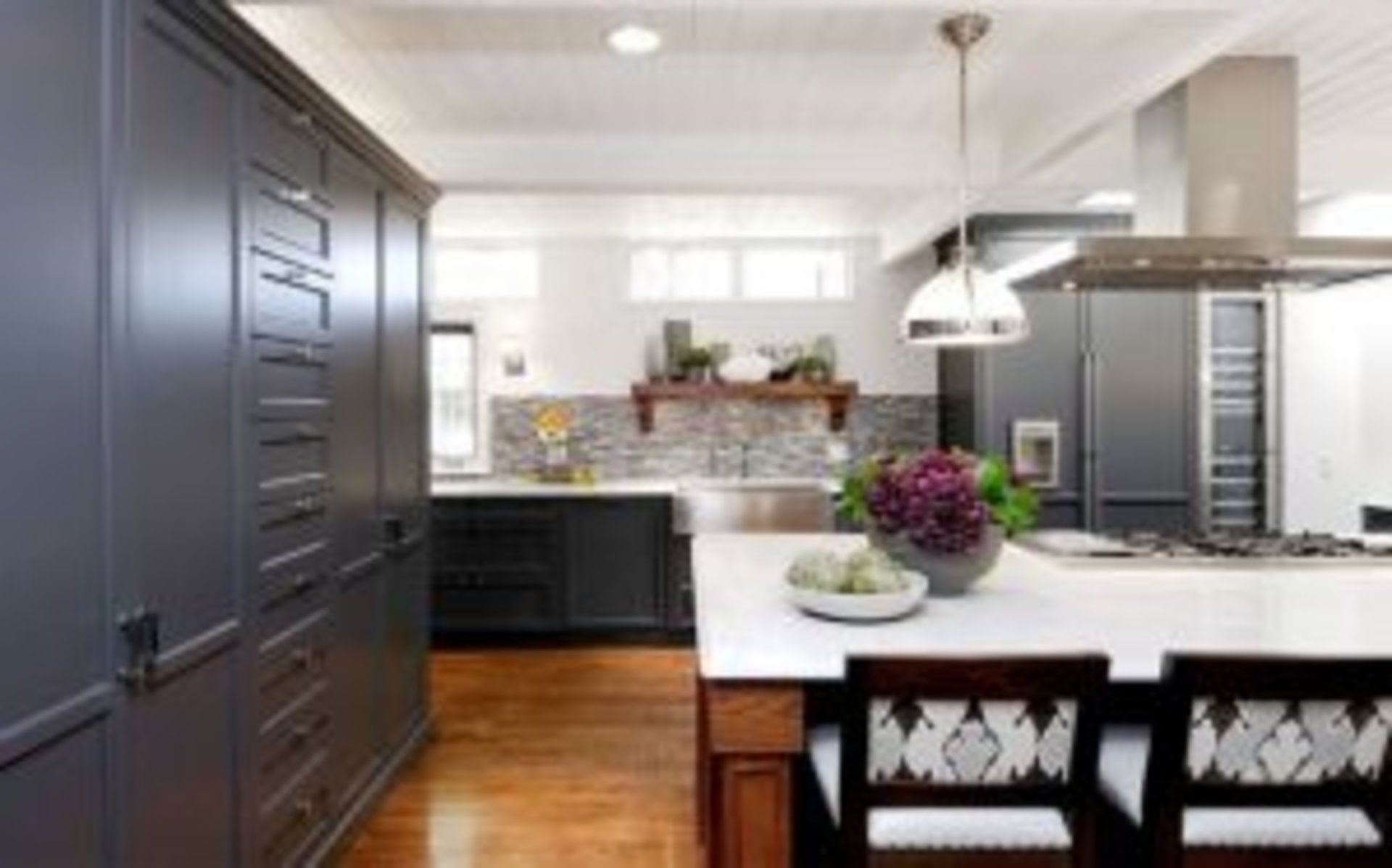shaker style in the home kitchen cabinets