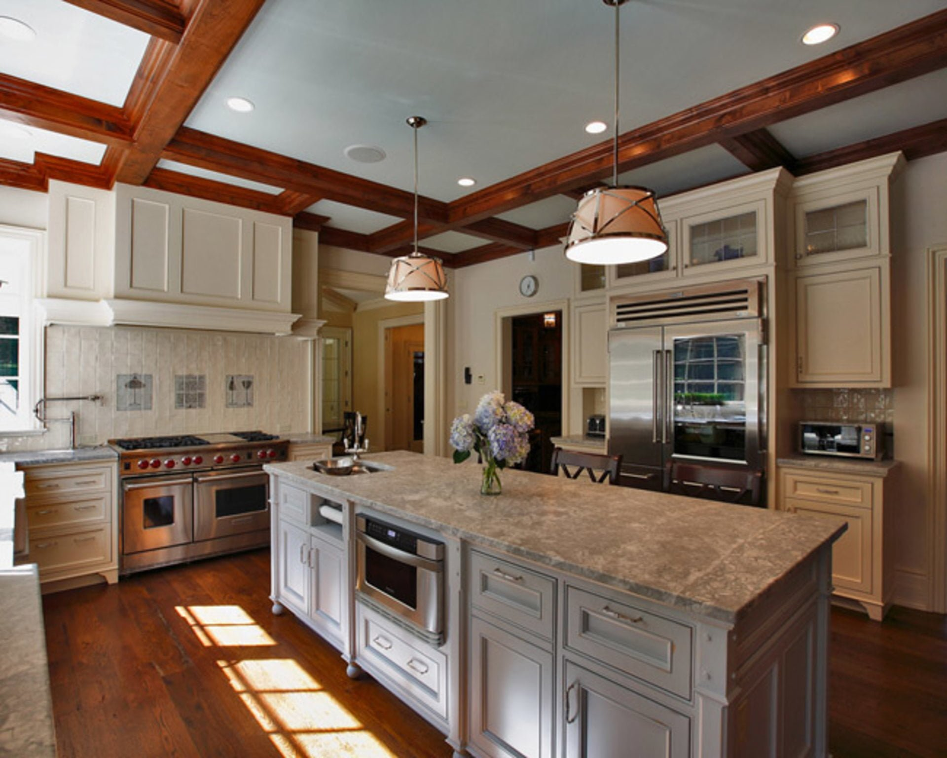 Timeless Accents To Include In Your Country Kitchen Country Club Homes